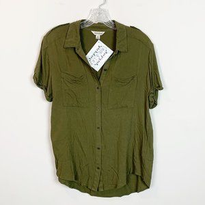 Lucky Brand | button front short sleeve blouse M